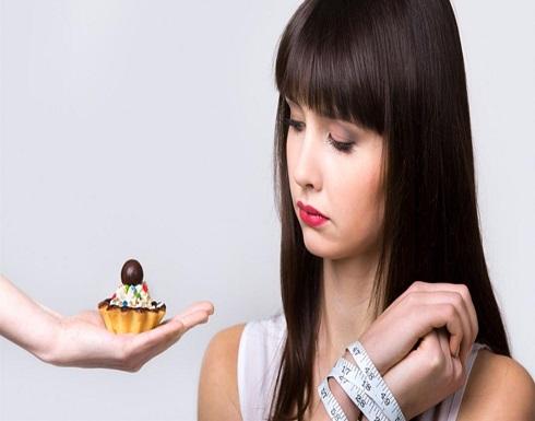 """أغربها """"تناول الطعام في أطباق صغيرة"""".. 7 نصائح للتغلب على الشعور بالجوع"""
