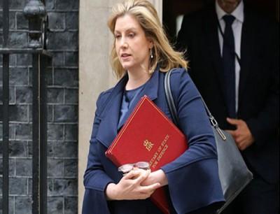 وزيرة الدفاع البريطانية بيني موردونت