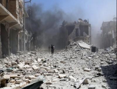 قصف جوي على دير الزور - ارشيفية