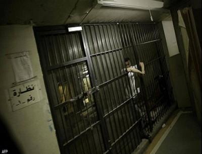 السجناء الفارون يقدرون بالعشرات - صورة أرشيفية