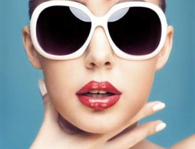 49afec88a بالصور: كيف تختارين النظارة الشمسية التي تناسب شكل وجهك ولون بشرتك وشعرك؟