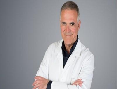 ألبرتو زانغريلو رئيس مستشفى سان رافاييل في ميلانو