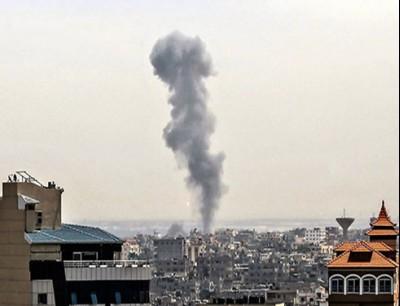 مدفعية الاحتلال تستهدف نقطتين في غزة