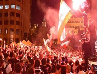 إحراق خيمة اعتصام وسط بيروت