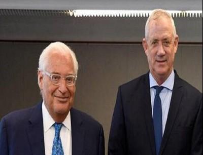 وزير الدفاع الإسرائيلي بيني غانتس وسفير الولايات المتحدة الأميركية في إسرائيل ديفيد فريدمان