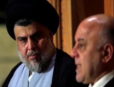 الزعيم الصدري مقتدى الصدر مع رئيس الوزراء العراقي السابق حيدر العبادي - أرشيف