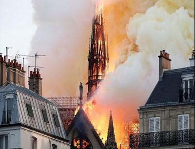 """كاتدرائية """"نوتردام"""" الفرنسية"""