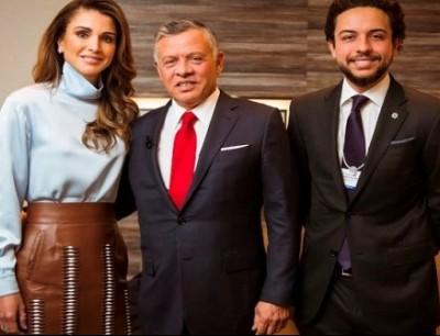 الملك عبدالله والملكة رانيا والامير حسين