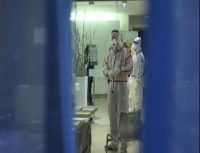 معالج في مركز عزل صحي إيطالي (لاستامبا)