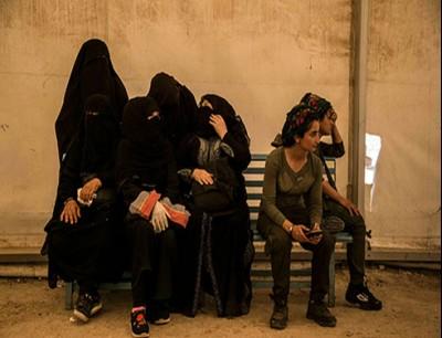 عائلات عناصر من تنظيم داعش