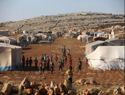 """نزح أكثر من 92 ألف سوري من المنطقة """"منزوعة السلاح"""" شمال سوريا منذ مطلع تشرين الأول"""