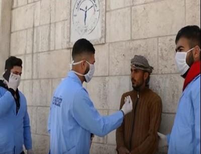 فرق طبي في أحد الشوارع السورية