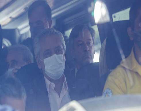 رئيس الأرجنتين يتعرض لهجوم أثناء جولة في منطقة ضربتها حرائق غابات