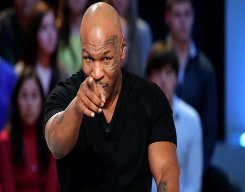 الملاكم العالمي تايسون يقطع رأس منافسه ويلتهم أذنه بدم بارد... فيديو