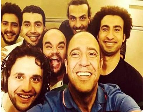 ممثل مصري : شاركت في أعمال بتمنى ربنا يسامحني عليها .. سيئات جارية هتستمر لما أموت