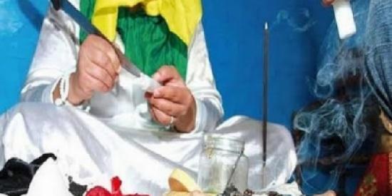 زوجان مغربيان احتجزا مشعوذا وقاما بالاعتداء عليه  تحت تهديد السلاح وتصورا معه سيلفي !