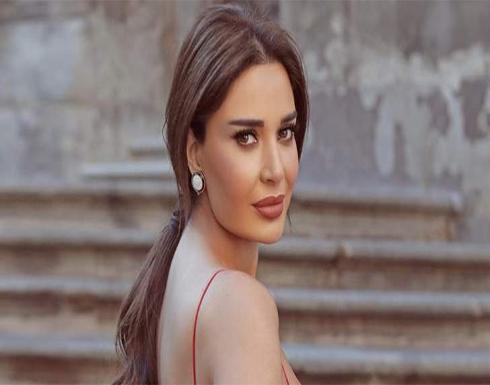 26506 ريال سعودي سعر فستان سيرين عبد النور الجلد الأسود .. شاهد