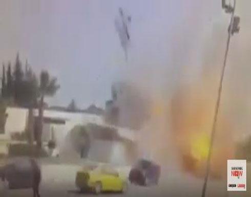 بالفيديو : لحظة تفجير انتحاريي تونس نفسيهما قرب سفارة أميركا