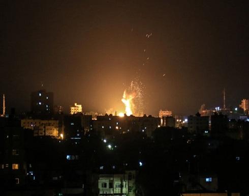 الاحتلال يقصف أهدافا بغزة ويقرر منع إدخال الوقود