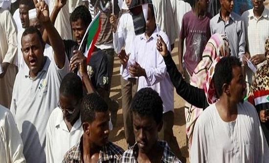"""تجمع المهنيين السودانيين يدعو إلى """"عصيان مدني"""""""