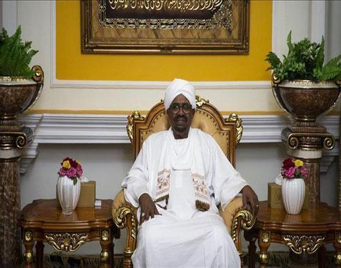 """الرئيس السوداني يبحث مع مبعوث إفريقي """"السلام"""" في ليبيا"""