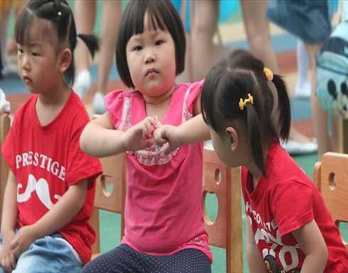 السلطات الصينية تسمح بإنجاب 3 أطفال