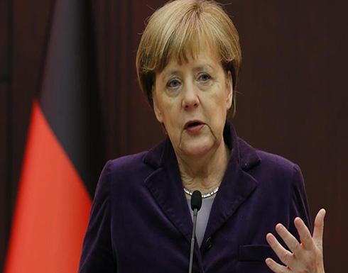 ميركل ترفض وقف تصدير السلاح بشكل عام إلى تركيا