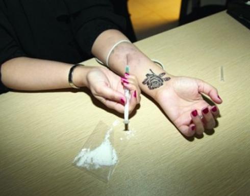 في بلد عربي ! ماتت خلال تعاطيها المخدرات فكيف تخلص أصدقاؤها من جثتها؟