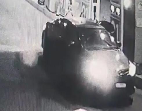 بالفيديو : شباب اختطفوا عامل محطة وقود لسلب أمواله في السعودية