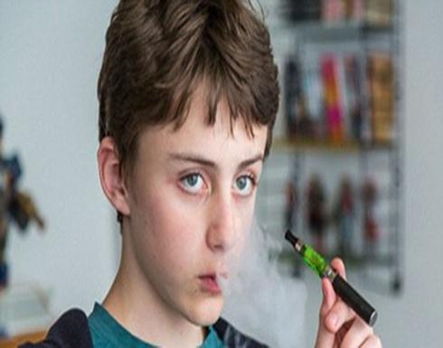 """دراسة جديدة: التدخين الإلكتروني """"فيبنغ"""" يدمر ذاكرة المراهقين"""