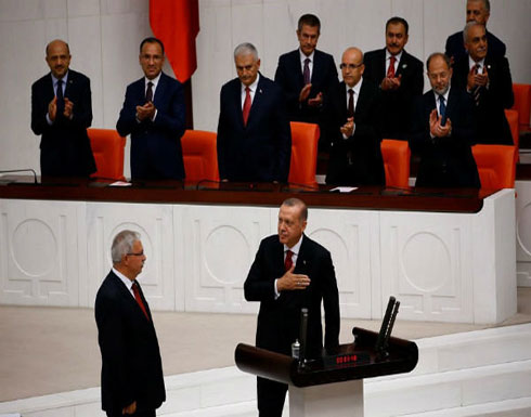 الرئيس التركي رجب طيب اردوغان يؤدي اليمين الدستورية أمام البرلمان لولاية رئاسية جديدة