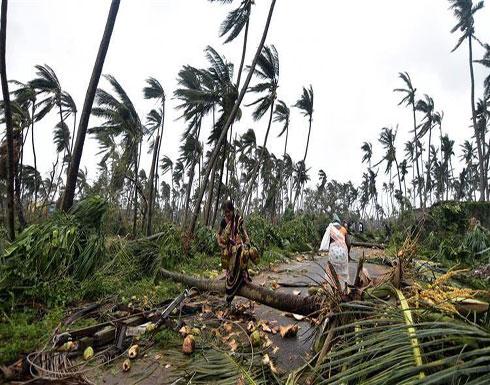 """إعصار """"تيتلي"""" شرقي الهند يحصد 8 أرواح ويشرد مئات الآلاف"""