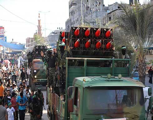"""""""كتائب القسام"""" تعرض صواريخ """"عياش"""" وطائرات مسيرة في عرض عسكري بغزة .. بالفيديو"""