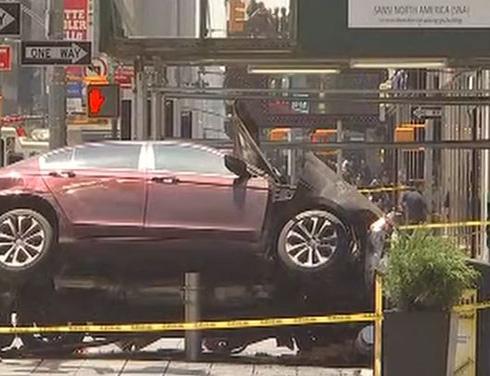 حادث دهس في ساحة تايمز سكوير وسط نيويورك