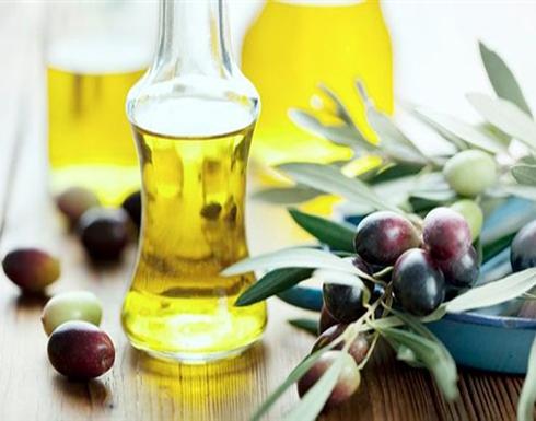 خبير تغذية يكشف حقيقة زيت الزيتون وعلاقته بزيادة الوزن