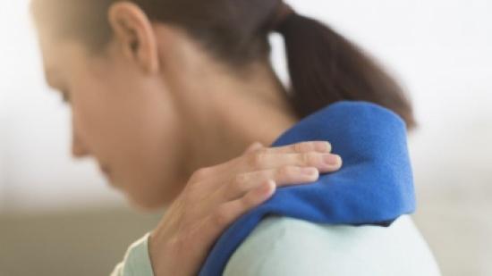لهذه الأسباب عليك علاج آلام الكتف الشديدة بشكل سريع