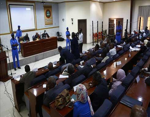 """محكمة سودانية تستمع لبيان البشير صباح """"انقلاب 1989"""""""