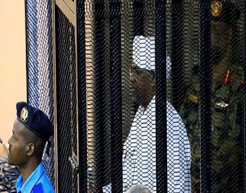 السودان... استدعاء أبرز سياسي على علاقة بالبشير وانقلاب 1989