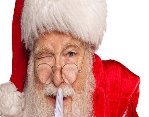"""أخبر الأطفال أن """"سانتا"""" غير موجود.. وهكذا عاقبته الشرطة!"""