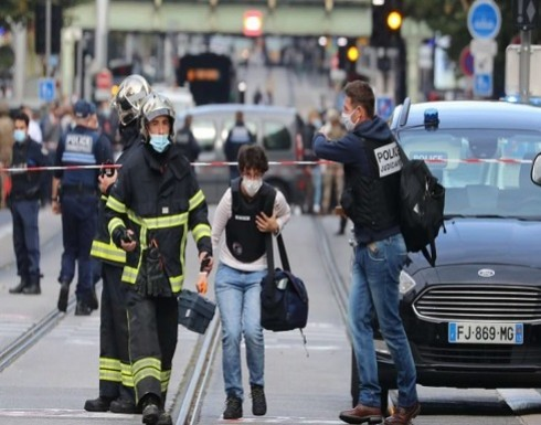 فرنسا: ثلاثة قتلى بينهم امرأة قُطع رأسها في هجوم عند كنيسة واعتقال المهاجم- (فيديو وصور)