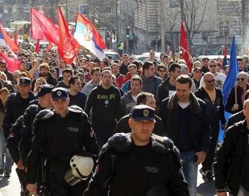 آلاف المحتجين في بلغراد ضد الرئيس الصربي