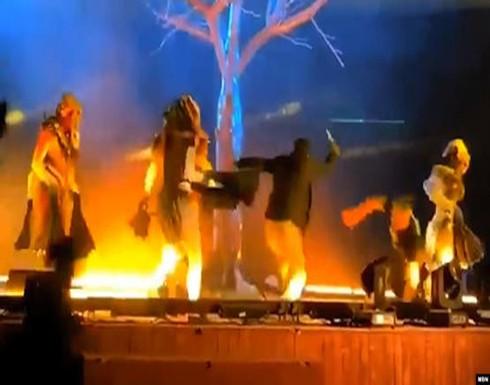 بالفيديو : محاولة طعن أعضاء فرقة استعراضية في حديقة الملز بالرياض