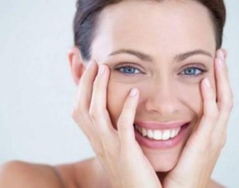 سائل الكولاجين يمنح بشرتك نضارة لا توصف