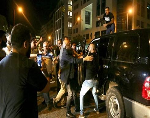 تظاهرات في لبنان رفضا لضرائب شملت مكالمات الواتساب
