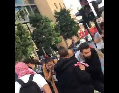 بالفيديو والصور- موكب يُطلق النار على المتظاهرين  في لبنان ويدهسهم ونائب يتسلّل سيراً على الأقدام