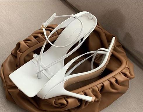 كعب بوتيغا فينيتا المشبّك.. نمط الأحذية العصريّة الأكثر طلبًا في الوقت الحالي!