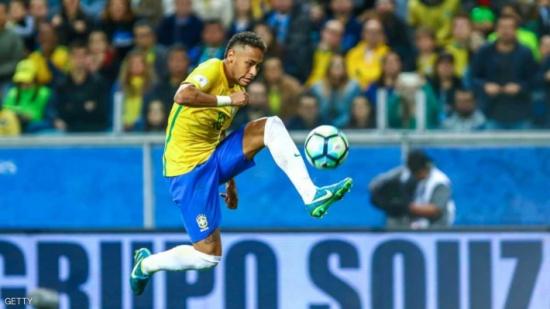 كارلوس: نيمار قادر على الفوز بكأس العالم