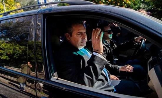 وزير الدفاع اليوناني يعلن استقالته قبيل التصويت على إسم مقدونيا