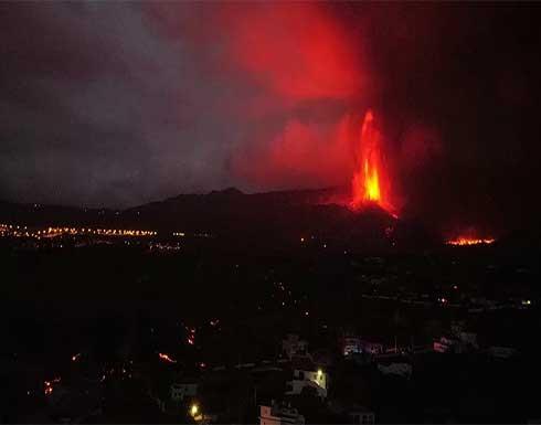 إجراءات جديدة في جزيرة لا بالما الإسبانية مع اقتراب الحمم البركانية من البحر