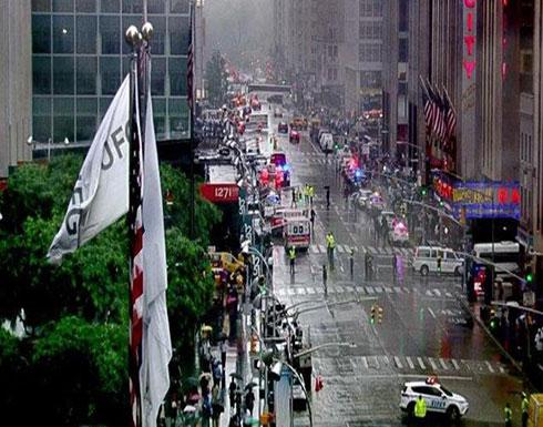 بالفيديو : أميركا.. تحطم مروحية فوق سقف مبنى في مانهاتن